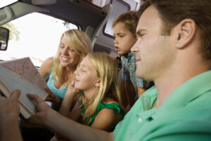 Road Trip Travel Tips For a Family With Kids